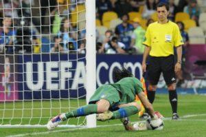 Auch Reflexe und Beweglichkeit nehmen im Alter nicht ab - Gianluigi Buffon
